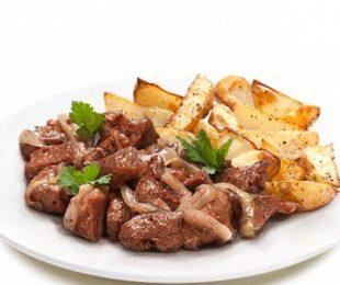 Свиная вырезка в сливочно-сырным соусе